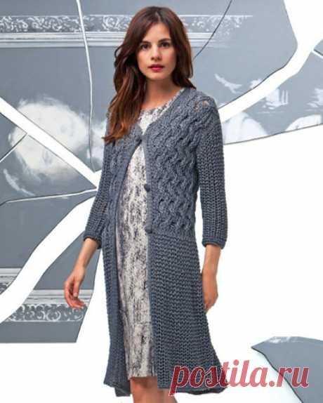 Пальто или удлиненный кардиган на весну-лето из хлопка спицами – описание схемы вязания