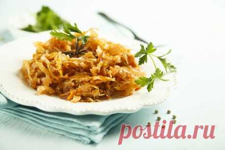 Тушеная капуста с булгуром - это отличный вариант быстрого обеда при похудении 🍋 Сытно, вкусно и полезно 🥭