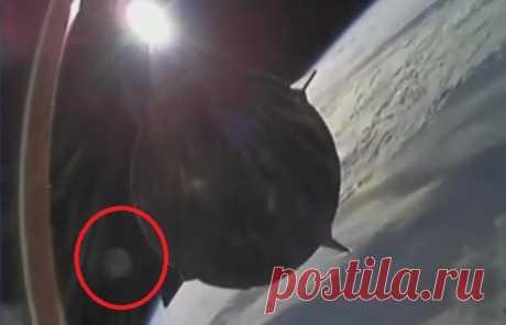 НЛО залетел во вторую ступень ракеты Илона Маска при отстыковке капсулы с астронавтами НАСА