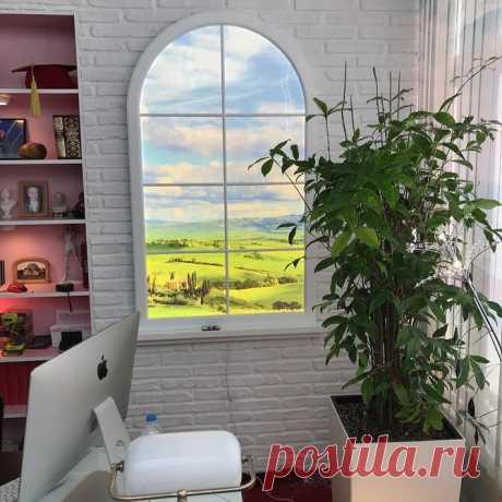Фальш-окно, зеркала на откосах и еще 7 приемов, помогающих сделать комнату светлее