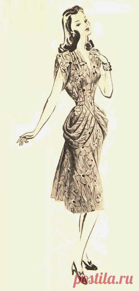 Платье с драпировкой на бедрах