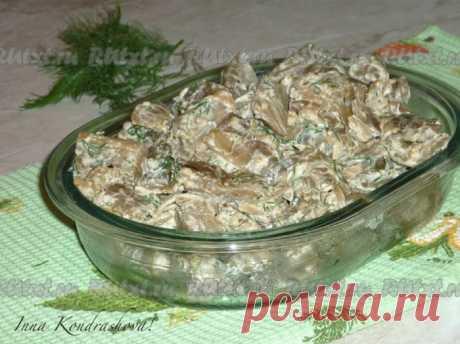 РЕЦЕПТ БАКЛАЖАНОВ, ЖАРЕННЫХ КАК ГРИБЫ - Вкусные рецепты Из баклажанов можно приготовить множество замечательных блюд. Рецептом одного из них и хочу поделиться. Баклажаны, жареные на сковороде, за считанные минуты, получаются и по вкусу, и по внешнему виду похожими на грибы. Это блюдо станет прекрасным гарниром, закуской или горячим салатом. Обязательно попробуйте! Для приготовления баклажанов, жареных, как грибы понадобится: лук репчатый — 1 шт.; …