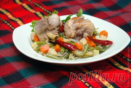 Курица с стручковой фасолью, овощами и специями