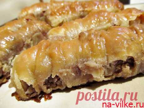 Пахлава турецкая (баклава) - рецепт приготовления восточной сладости с фото Пахлава или баклава по-турецки - знаменитая восточная сладость. Предлагаем приготовить пахлаву с мёдом и грецкими орехами в домашних условиях.