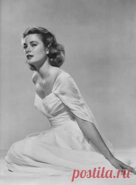 Grace Kelly Explore Tommy's Mag.'s photos on Flickr. Tommy's Mag. has uploaded 6150 photos to Flickr.