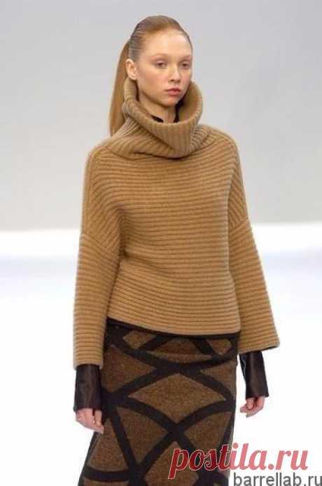 Пуловер с большим воротником Пуловер с большим воротником спицами. Пуловер в стиле Akris спицами
