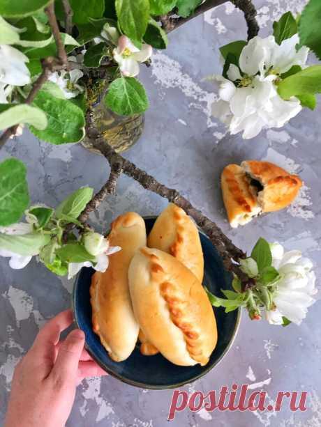 Пирожки с щавелем. Этот рецепт родом из моего детства. | Анна Нечаева | Яндекс Дзен