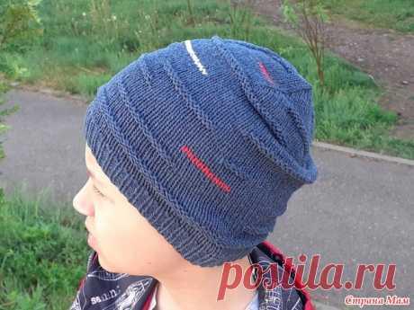 Летняя шапка спицами для мальчика Здравствуйте, дорогие рукодельницы. Хочу показать вам шапочку, которую связала сыну на лето на прохладную погоду. Ну да, вот такое суровое у нас лето, что шапка может оказаться совсем нелишней.