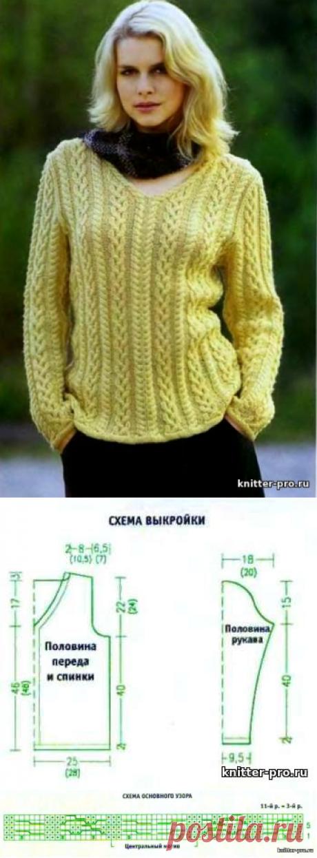Пуловер с рельефным узором, связанный спицами