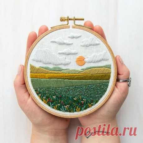 """THIS IS AN INSTANTLY DOWNLOADABLE PDF PATTERN AND GUIDE, NO PHYSICAL OBJECT WILL BE MAILED TO YOU. -Mini-Meadow Embroidery Template -Fits in a 5"""" Embroidery hoop -Includes a step-by-step instructional…"""