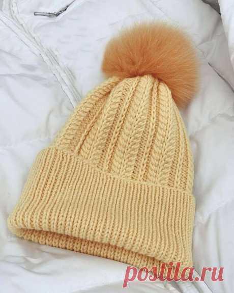 Красивый узор для шапочки с помпоном.