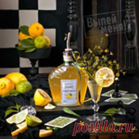 Ликер лимончелло - эхх.. как же можно пройти мимо его яркого цвета и насыщенного лимонного аромата...