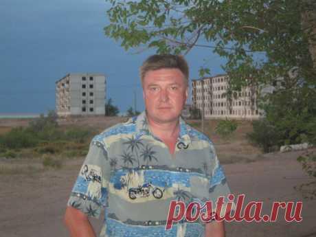 Леонид Антоник