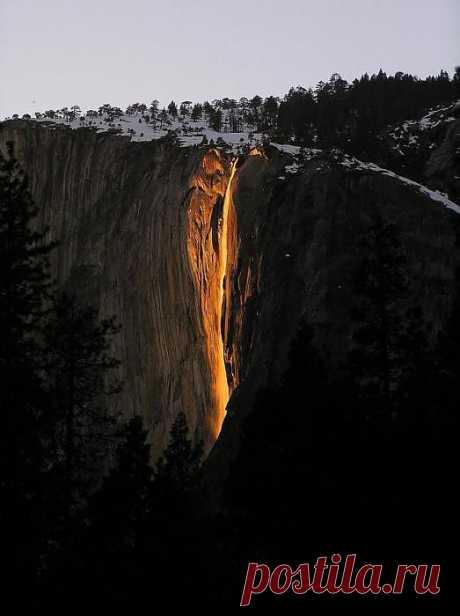 Радужный водопад (Национальный парк Йосемити, США)