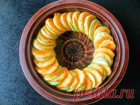 Готовлю так, как только появляются первые кабачки / Очень вкусный картофель с кабачками в духовке