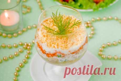 """Салат «Мимоза» Как приготовить и как подать самый весенний салат - """"Мимозу""""."""