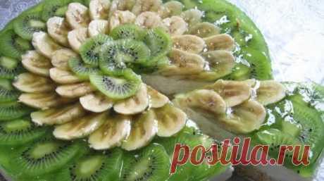 Очень красивый, в меру сладкий и невероятно вкусный творожный торт с фруктами!