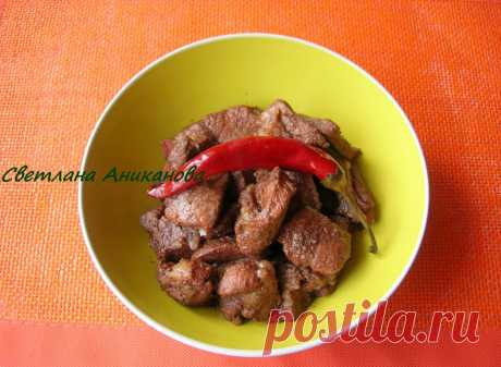 Свинина маринованная в красном вине с кориандром Данный рецепт приготовления свинины довольно популярен в кипрской кухне и имеет традиционное название «Афелия». Мне это блюдо очень нравится, потому как готовится оно просто и без особого участия хозя…
