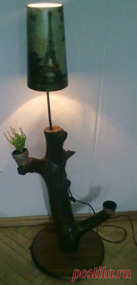 """Торшер """" Париж""""  основание натуральное дерево ."""