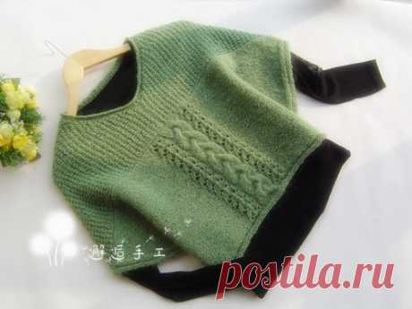 Просторный пуловер - безрукавка