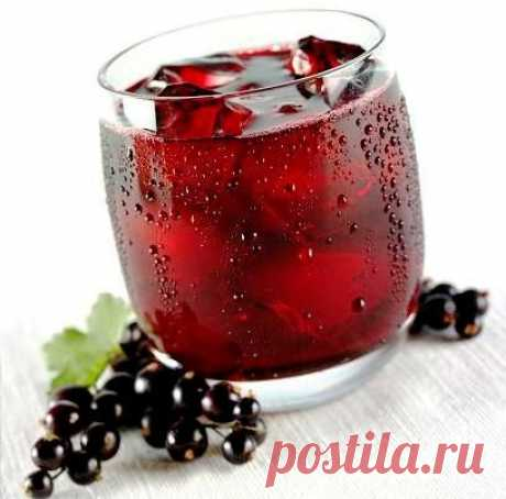 Ароматное домашнее вино из смородины   Приготовить ароматное и терпкое домашнее вино из смородины совсем не сложно. Оно займет достойное место в любой винной коллекции, порадовав дегустаторов своим насыщенным вкусом и рубиновым цветом. О…
