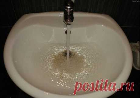 HITROMUDRYY EL TRUCO ME ERA DICTADO POR LA ABUELA. NO CREÍA MIENTRAS NO PRUEBE: EL ATASCAMIENTO SE HA IDO INSTÁNTANEAMENTE\u000d\u000a\u000d\u000aCon el tiempo en la ciruela para el fregadero o el baño se acumula mucha basura diferente y la suciedad. Y un buen día el atascamiento se hace tanto grande que el agua no puede penetrar a través de él. Tómate tu tiempo llamar al fontanero o correr en la tienda los medios distintos que limpian, que composición química asombraría hasta a Mendeléiev.