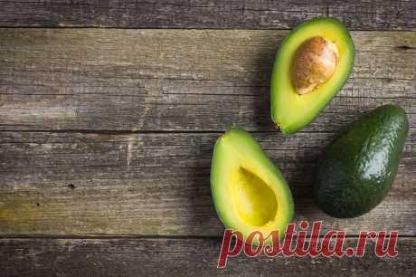 Говорят, авокадо может заменить мясо, рыбу и салат. Такого я еще не пробовала… Усовершенствовала бабушкин рецепт.
