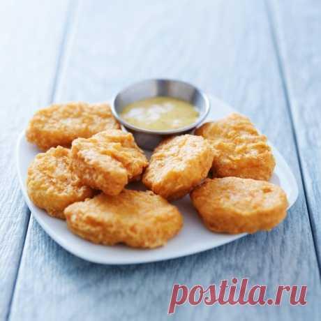 Куриные наггетсы-идеальный белковый перекус.