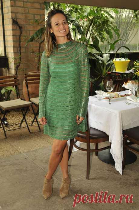 Платье простым узором от Giovana Dias