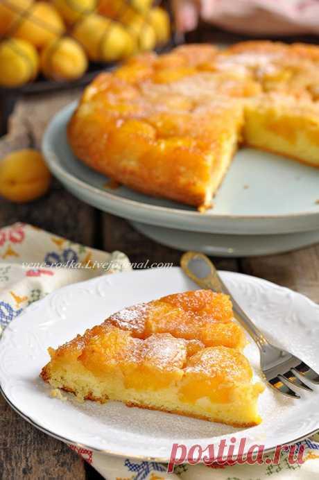Карамельный абрикосовый пирог.