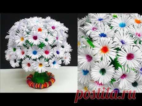 букет цветов из бумаги на пластиковой бутылке + клей