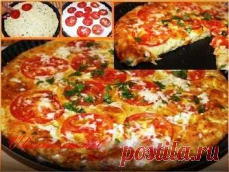 Быстрая кабачковая пицца рецепт на сковороде Друзья! Сегодня хочу предложить вам рецепт интересной овощной закуски - Кабачковая пицца. Я очень люблю кабачки, и как только начинается сезон – готовлю их разными способами. Недавно нашла рецепт быстрой пиццы из кабачков и решила попробовать. Это не только вкуснятина, но и очень полезно! Рекомендую!