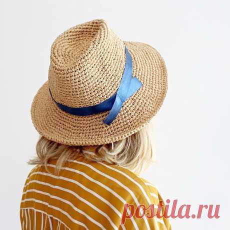 Как связать шляпу-федору из рафии