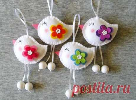 Spring Birds Felt Ornaments Cute Home Decor Funny Birds Flowers animals, Felt Ornaments spring home decor, felt decor, Set of 4 pieces This Felt birds set includes 4 felt birds. They can decorate a working place,a window, a wall, or the Holiday table! All ornaments have two side embroidery and ribbon length 2.8 (7 cm). Ornaments dimensions 2.8 x 3.2(7 x 8 cm). This set would make a great gift. ***************************************************** • If you would like to purchase any of the ...