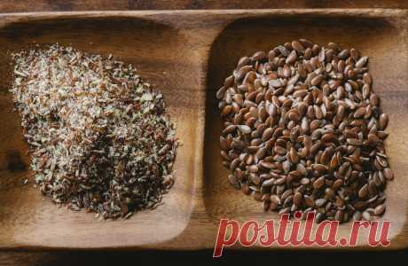Простые маски из семян льна для лица и волос на каждый день Лечебные свойства семян льнахорошо известны. Это растение используется в течение сотен лет в народной медицины. Естественная слизь отвара льна идеально подходит также в качестве маски для лица, конди