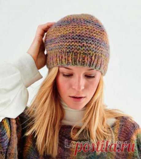 Меланжевая шапка с резинкой схема спицами