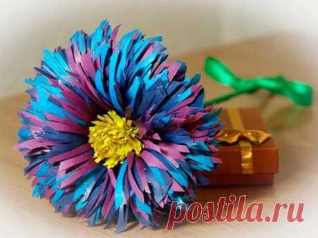 👌 Цветы из бумаги 6 мастер-классов, увлечения и хобби Изготовление цветов из бумаги— это отличный способ занять маленького непоседу или провести свободное время взрослому. Техник изготовления таких цветов много.  Всем известная тех...
