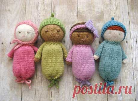 Вязаные куклы спицами - идея пупсов своими руками.