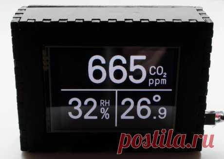Домашняя метеостанция на Raspberry Pi В этой статье мастер расскажет нам, как сделать домашнюю метеостанцию.Устройство имеет датчики CO2, влажности и температуры, встроенный веб-сервер с настройками и графиками в реальном времени, автоматическую регистрацию постоянных показаний (каждые 5 секунд), цветную индикацию для низкого /
