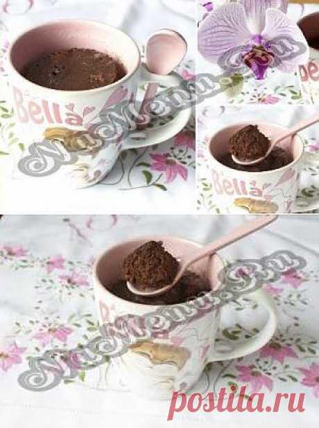 Быстрые шоколадные бисквиты в чашках
