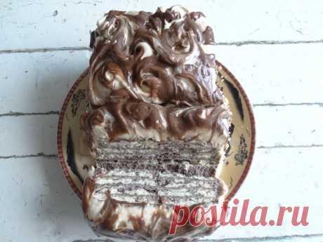 Торт «Холодная собака» готовится за считанные минуты (правда, после сборки тортик нужно замораживать в течении 2 часов… но это же без нашего участия).