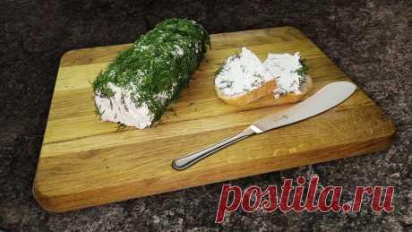 Мягкий сливочный сыр из замороженного кефира и зелени — идеальная быстрая закуска