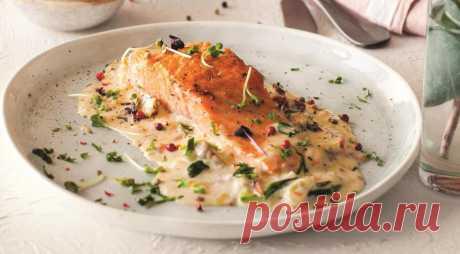 Лосось в сливочном соусе со шпинатом, пошаговый рецепт с фото