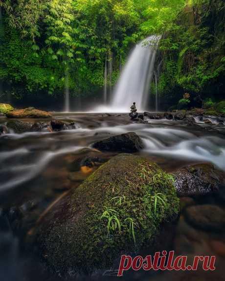 Pangeen Bali, Indonesiabyjabi sanz