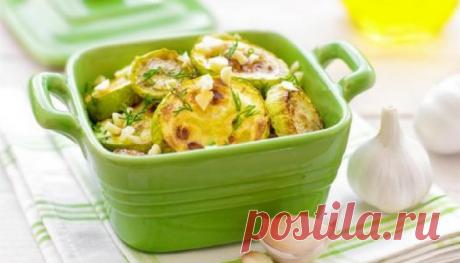 Блюдо дня - шикарные жареные кабачки с плавленым сырком и чесночным соусом - interesno.win