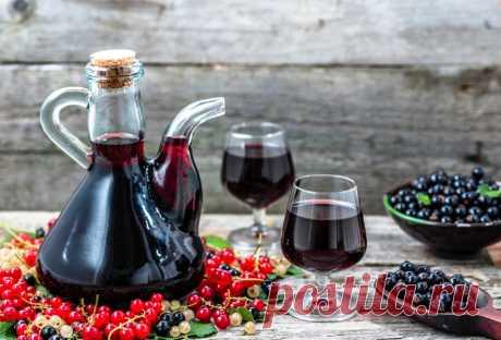 Ликер из черной и красной смородины (рецепты)