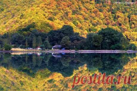 Фото дня. Озеро Ногур Габалинского района Азербайджана.