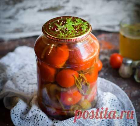 Самый вкусный маринад для помидоров на литр воды Сегодня я хочу вам рассказать рецепт своего самой любимой и вкусной заливки – маринад для помидоров на 1 литр воды с 9% уксусом. У каждой хозяюшки есть тот самый дорогой для души рецепт, которым она пользуется из года в год, пополняя свои закрома красивыми баночками с консервацией. С таким маринадом я всегда готовлю помидоры, и еще ни одного раза томаты не остались после зимы, съедаются они очень быстро, поверьте. Маринад дл...