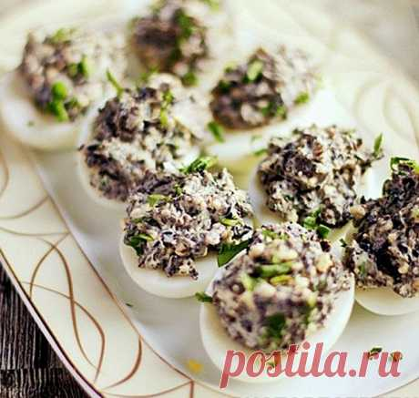 Яйца фаршированные грибами и сыром рецепт с фото пошагово Яйца фаршированные грибами и сыром - пошаговый кулинарный рецепт приготовления с фото, шаг за шагом.