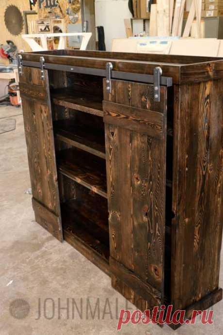 Книжный шкаф с раздвижными дверцами